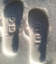 snow imprint flip flops